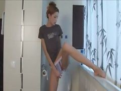 Extremely Cute Skinny Chick Peeing